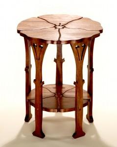 Poppy-Table